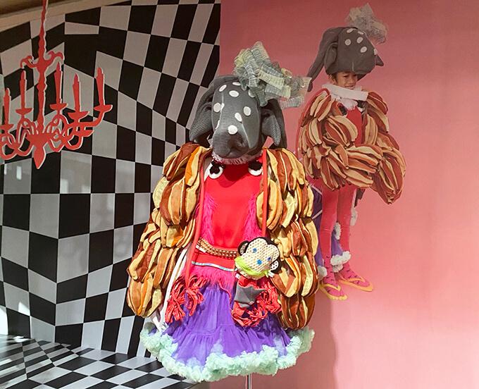 「森に棲む服/forest closet ひびのこづえ展」そごう美術館 展示風景(2021年10月10日まで開催)