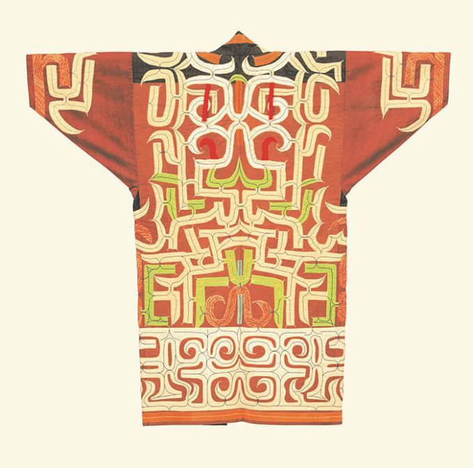《木綿衣(ルウンペ)》(複製作品) 山崎シマ子作 国立アイヌ民族博物館蔵