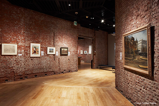 2012年に復原リニューアル。丸の内駅舎の構造レンガをそのまま生かして歴史を体現した趣きのある展示室は、世界で唯一無二の空間。