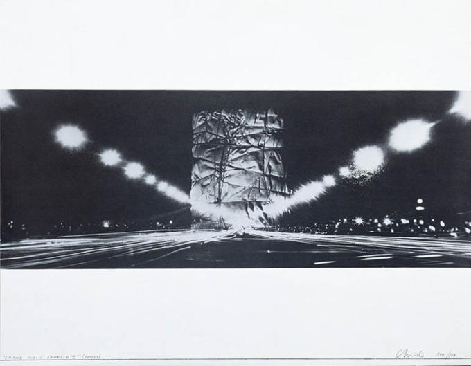 クリスト《包まれた公共建築(プロジェクト)[パリの凱旋門]》1968 年 54.5×69.7 ㎝ スクリーンプリント、紙DIC川村記念美術館 © ADAGP, Paris & JASPAR, Tokyo, 2021 G2570